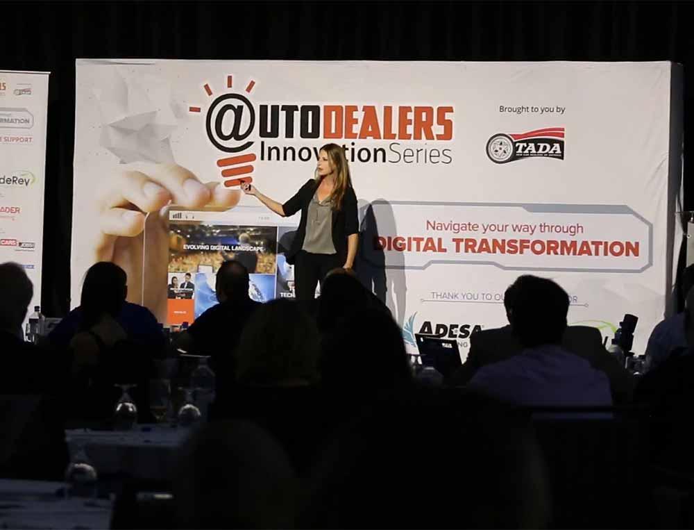 gail rubinstein speaking at auto dealers innovation series